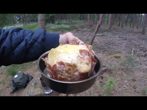 Backpacking food: how to make a bannock, bacon & egg supermuffin in your billy can (video recipe)