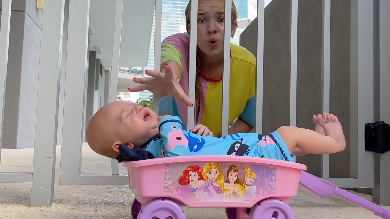 Maggie and baby brother in the POOL new best stories for kids