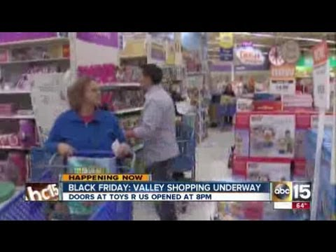 Shoppers hit the stores in Scottsdale for Black Friday deals