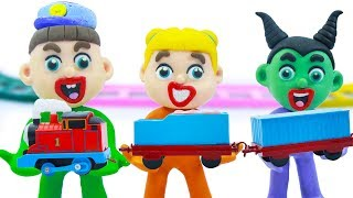 Download SUPERHERO BABY BUILDS THOMAS AND FRIENDS 💖 Play Doh Cartoons For Kids Video