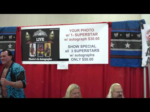Inside Comic Con 2013 with Andrew Anderson Pro Wrestler booth