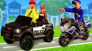 Poursuite de la voiture de police - Histoire pour les enfants - Police cars toys story for kids