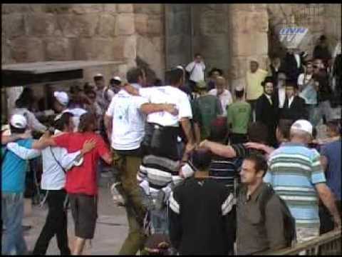 Aliya Gimel from South Africa report from the Kotel