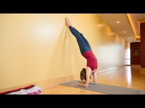 How to Do Forearm Stand, or Pincha Mayurasana