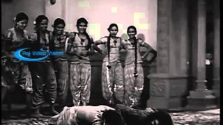 Mangamma Sabatham 1943 --   Ranjan With Haram Girls