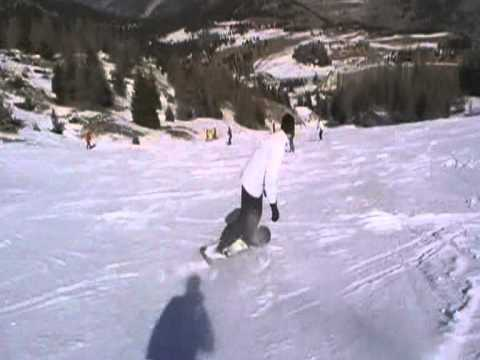 A way to break your thumb with snowboarding..