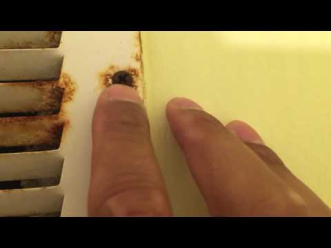HOW TO LOOSEN A RUSTY SCREW