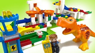 Jurassic World + Hubelino Ball Maze : Can You Help Owen Find the Bathroom?