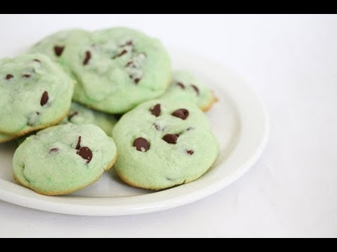 How to Make Green Chocolate Chip Cookies