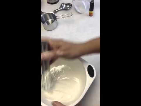 Making glaze icing