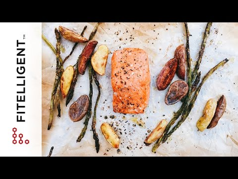 [Fitelligent] One Pan Dinner: Roasted Salmon, Potatoes, and Asparagus
