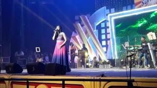 Tu Mile Dil Khile - Jaadu Hai Nasha Hai || Shreya Ghoshal || 1st July '17 || Kolkata