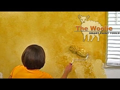 2-Color Roller Faux Finish Painting by The Woolie (How To Paint Walls) #FauxPainting