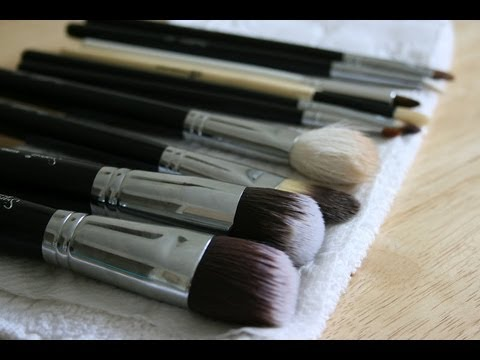 How to: Clean Makeup Brushes/ DIY Brush Guard