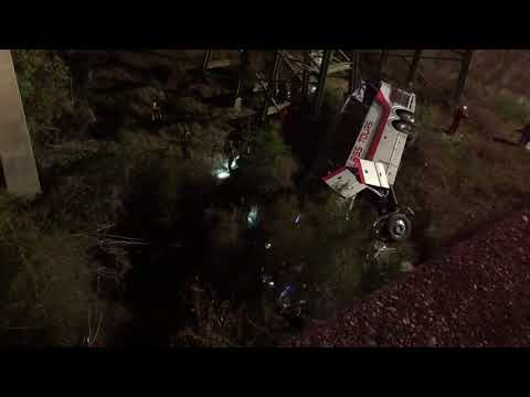 1 dead, dozens injured after Texas bus falls off I-10 into ravine near Alabama-Florida line