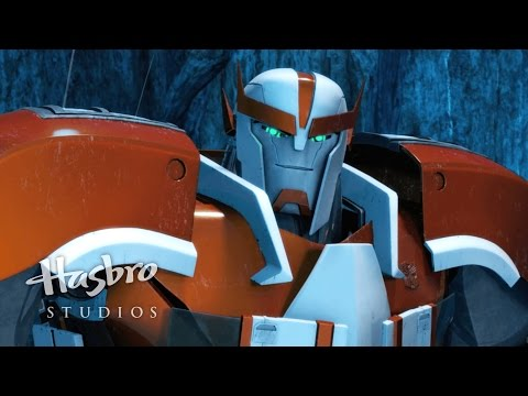 Bumblebee's in love with Arcee - Transformers Prime