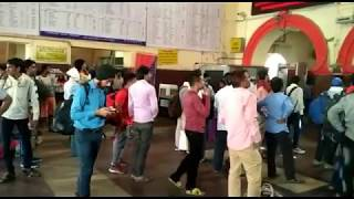 Passengers get in trouble after Jhansi-Delhi railroad stoppage