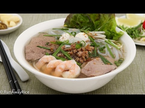Pork and Shrimp Clear Noodle Soup (Hu Tieu)