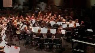 """""""Oblivion"""" van Ástor Piazzolla uitgevoerd door Tim Fletcher (bandoneón) begeleid door Harmonie Crescendo Purmerend o.l.v. Arnold van"""