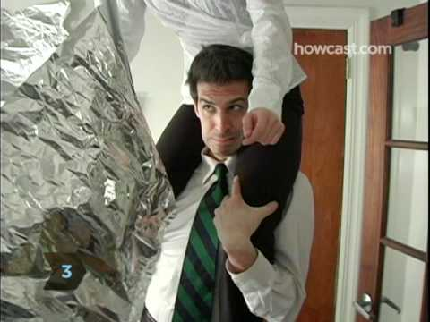 How to Play the Aluminum Foil Prank on a Co-worker