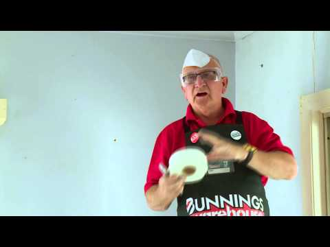 How To Repair Cracks In Plaster - DIY At Bunnings