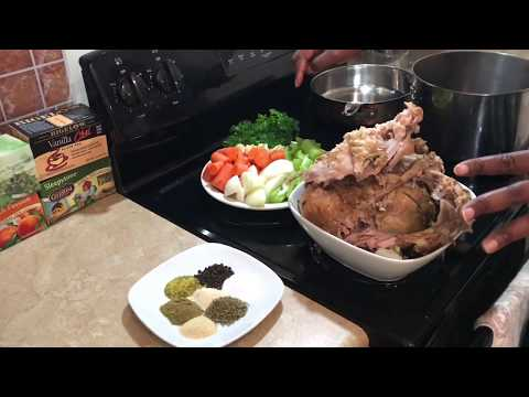 Turkey Broth Using Thanksgiving Leftovers