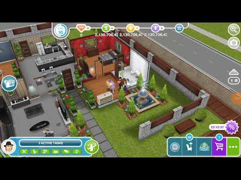 Let an infant crawl - the Sims freeplay 😸