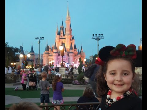 Magic Kingdom Disney World Day 2, Sanaa December 2015