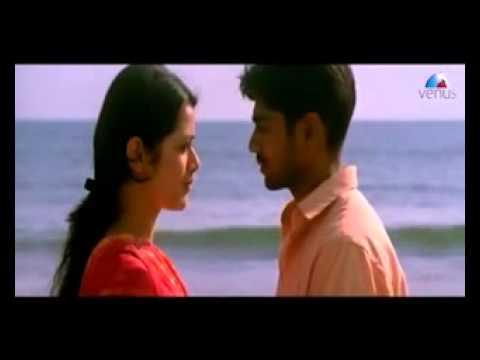 Xxx Mp4 Marathi Actress In Kissing Love Scene Steamy Kiss Scene In Marathi Films Girija Oak 3gp Sex