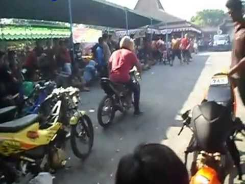 Test Motor DragBike Paddock Accident Kecelakaan