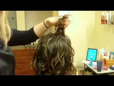 How To Do a Cute Hairstyle for Curly (Wavy) Hair: Twirl and Diffuse