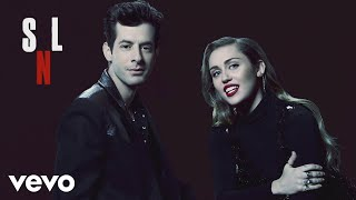 Miley Cyrus, Mark Ronson - Happy Xmas (War Is Over) (Live at SNL) ft. Sean Ono Lennon