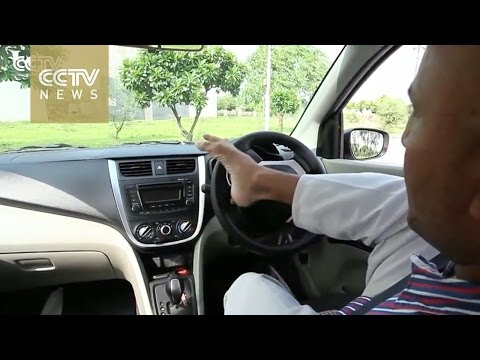India: Meet Vikram, the armless man campaigning for a driver's license