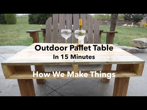 How to Make an Outdoor Pallet Table in 15 Minutes //DIY