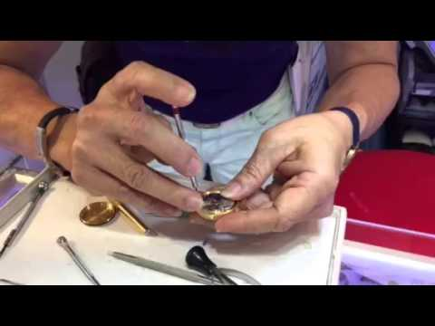 Buying Rolex Watch  in Singapore. 96373733 Koh. Far East Plaza #04-121B Singapore 228213 Www.threecr