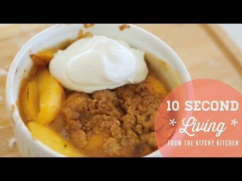 How to Make Fruit Crumble // 10 Second Living