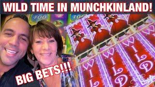 WIZARD OF OZ MUNCHKINLAND SLOT MACHINE W/Cathy!!! | BIG BETS!!| TOTO JACKPOT!! 🐶  🌈 🎉🎰💰🤩🙌