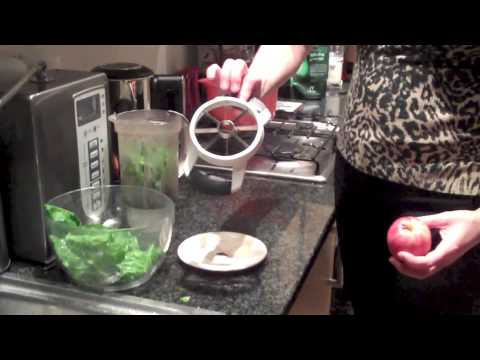 Make Green Smoothie to Cut Cholesterol