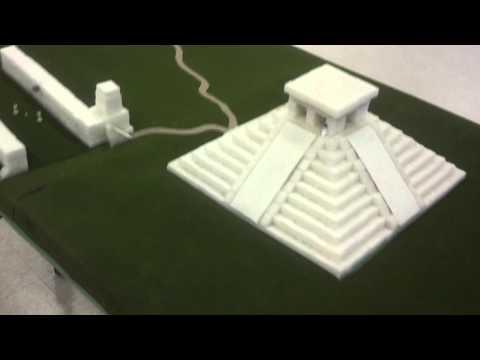 Tour Chichen Itza Mayan pyramid ball court centote