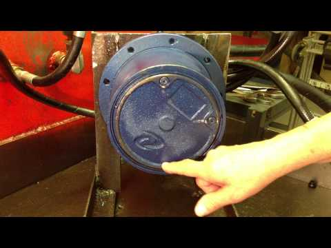 Excavator Final Drive Motor - How To Check Gear Oil Level