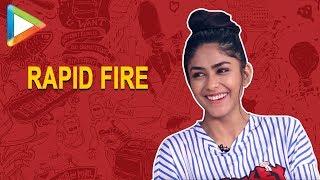 Hrithik ya John ? Who is HOTTER ? Mrunal Thakur's EPIC answer | Baahubali | Rapid Fire