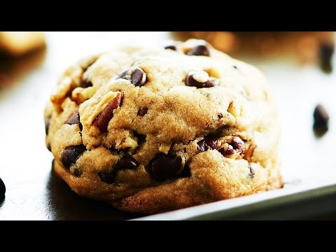 Fluffy Chocolate Chip Cookies - Show Me the Yummy - Episode 50