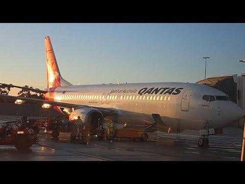 Qantas Melbourne to Gold Coast Business Class B737-800