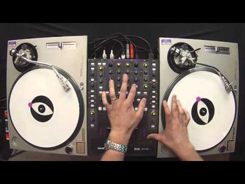 Learn To DJ Tutorial: Using Quick Live Acapella Blends to Enhance Your DJ Sets (DJ Trayze)