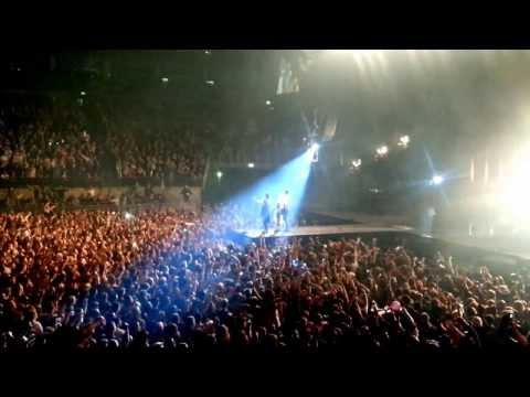 30 Seconds to Mars, Live at the O2 Arena, London, Alibi and The Kill - 23/11/2013