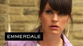 Emmerdale - Kerry Sees a Man From Her Past