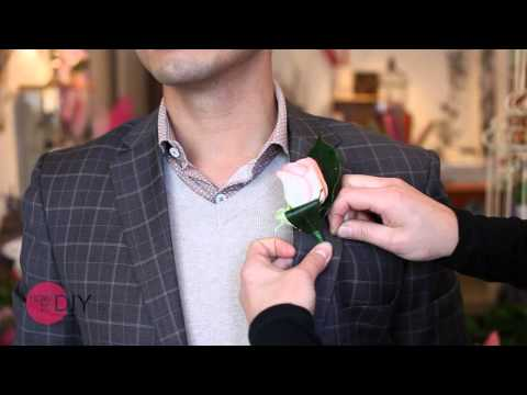 How to pin a buttonhole or boutonniere wedding flower