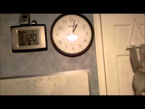 Skyscan Atomic Clock Model 28900 (Setting itself) 3/1/15