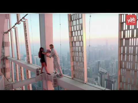 Model dangles From Dubai skyscraper without a harness!! A Breathtaking Visual!  | YOYO TV English