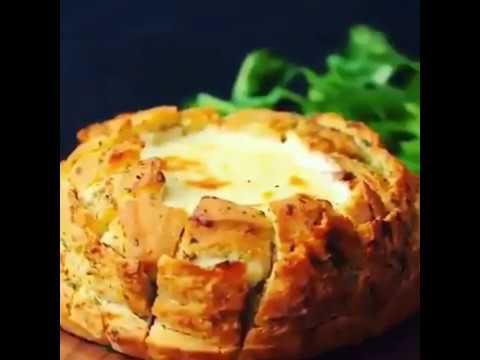 Blooming bread lasagna dip! 😍😂🍞🧀